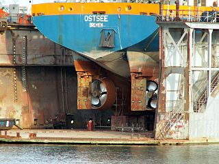 Propellers on Ostee in drydock<br>Port of Rotterdam