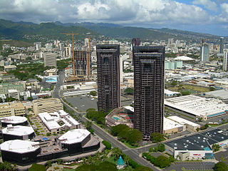 Honolulu<br>Waterfront Towers in foreground