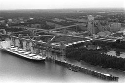 Grain terminal - New Orleans<br>October 7, 1976
